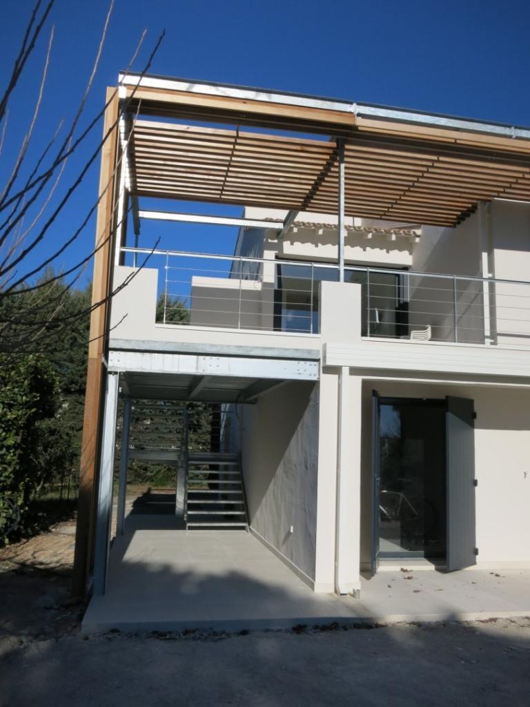 Extension terrasse d'étage pergola et escalier en métal/bois