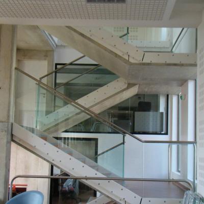 Escalier sculpture animation graphique et transparence